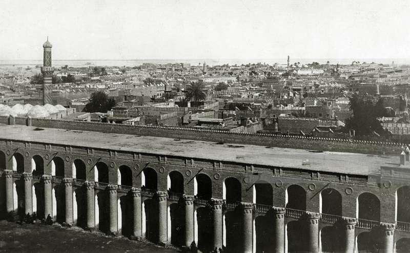 بغداد - صورة من فوق ساعة وبرج القشلة العثمانية